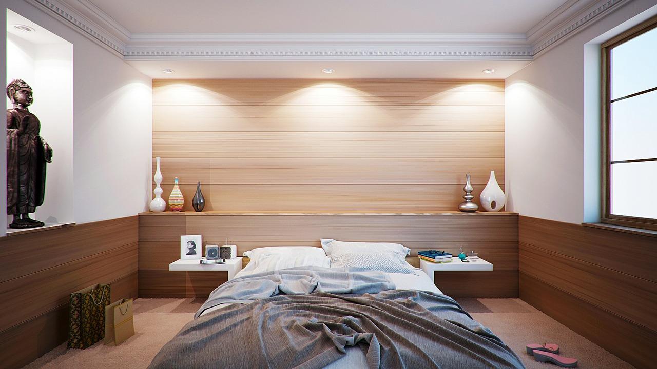 Czy łóżka drewniane zastąpią klasyczne łóżka z desek meblowych?